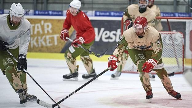 Veteranerne går til stålet, når de mødes til træning i Gigantium i Aalborg hver 14. dag. Arkivfoto: Henrik Bo