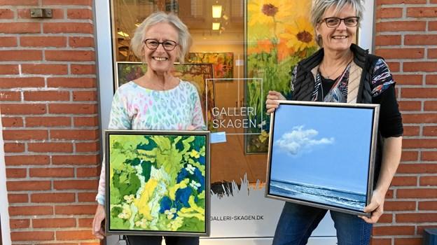Yrsa Dunvad til venstre er forårets og sæsonens første gæsteudstiller hos Gitte Toft og Galleri Skagen.