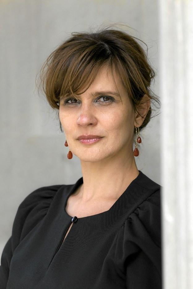 """Mød Birgithe Kosovic med foredraget """"Mellem løgn og overlevelse"""" på Frederikshavn Bibliotek. PR-foto"""