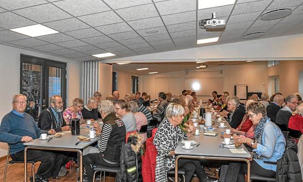 70 var mødt op mandag til formiddagscafé med Hannah Lyngberg-Larsen, som fortalte om Karen Blixen. Foto: Mogens Lynge