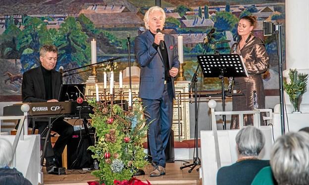 Kurt Ravn havde medbragt to musikere til jule koncerten. Foto: Mogens Lynge Mogens Lynge