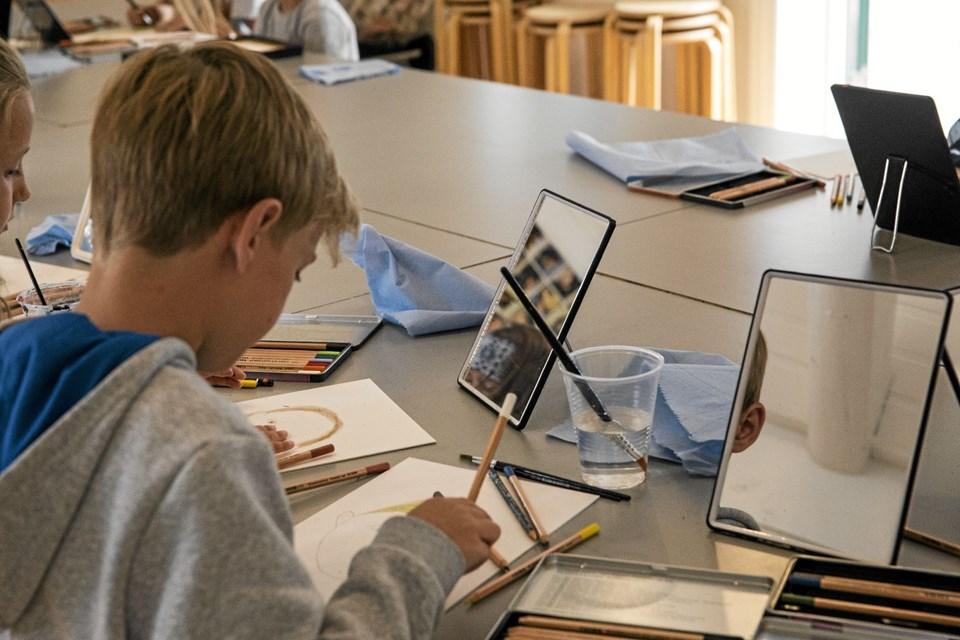 I vinterferien kan børn deltage i malerskole på Skagens Museum Foto: Skagens Kunstmuseer