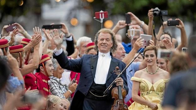 Vær med, når André Rieu, hans Johann Strauss Orchestra, sopraner i verdensklasse, The Platin Tenors og særlige gæster byder på en magisk biografoplevelse. Foto: Presse