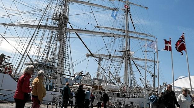 """Efter præmieoverrækkelsen var der åbent skib på """"Christian Radich"""". Foto: Peter Jørgensen Peter Jørgensen"""