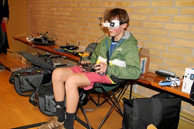 Marius Strandberg fra Gjøl fløj i høj fart rundt med droner. Foto: Flemming Dahl Jensen Flemming Dahl Jensen