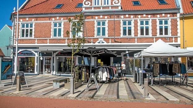 Fredag, hvor mange starter ferien, trak folk til Løgstør. Foto: Mogens Lynge Mogens Lynge