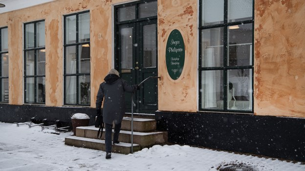 Inger Philipsen har været selvstændig i 54 år - klinikken har de seneste mange år været placeret på Torvet i Hjørring.Foto: Hans Ravn HANS RAVN
