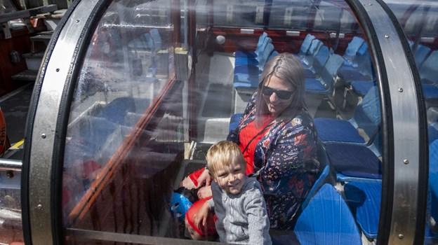 De to shuttles er både transport og en oplevelse - for store og små. Foto: Lasse Sand