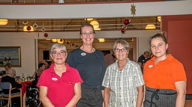 Der var stor ros til Røde Kors Hjemmets køkken, som havde lavet alt julemaden, som blev serveret. Foto: Mogens Lynge Mogens Lynge
