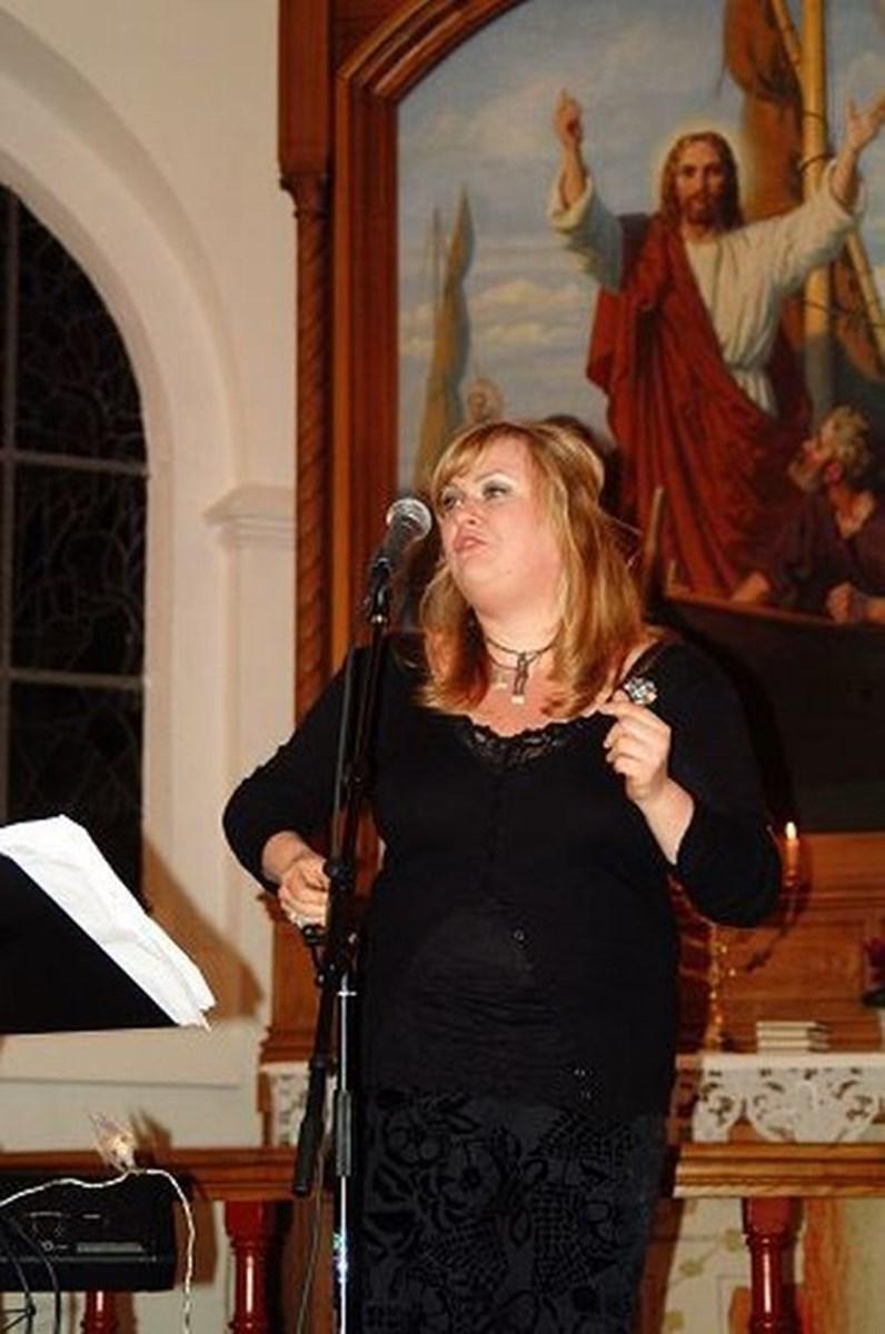 Marie Carmen Koppel i Løgstør Kirke. foto: M-line