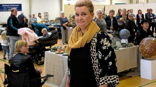 """Karina Hornbjerg gik mannequin i modetøj fra """"Zand i Lønstrup"""". Foto: Niels Helver"""