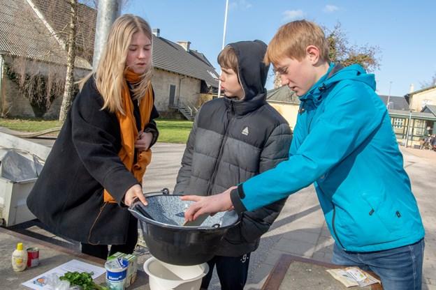 Hele Kulturstationen summede af de 300 7. klasse-elevers klimaaktiviteter, blandt andet blev der lavet klimavenlig bålmad og bæredygtig husmandskost - som dengang man var selvforsynende uden at tænke over miljøet