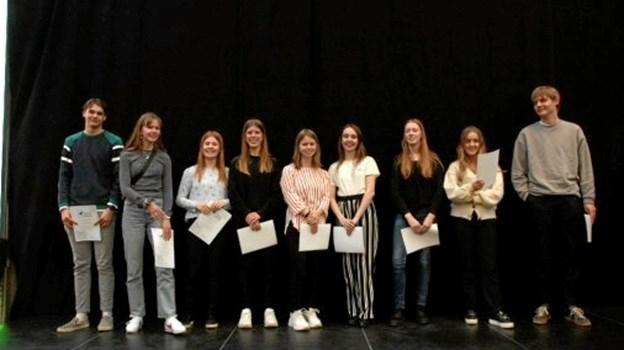 10 elever fra Tradium Handelsgymnasiet Mariagerfjord har fået diplom fra Nordjyske Gymnasiers Talentakademi. Privatfoto