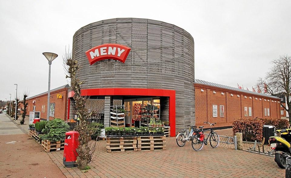 Det startede i 1943 i Asaa. I dag ser familiens moderne supermarked i Dronninglund således ud. 75 år er gået. Foto: Jørgen Ingvardsen Jørgen Ingvardsen