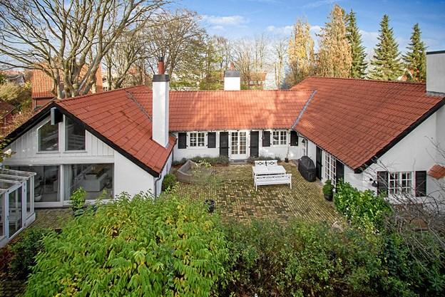Har du 15,5 mio. kr. kan du blive ejer af dette hus på Klostermarken. Foto: Ejendomsmægler Thorkild Kristensen