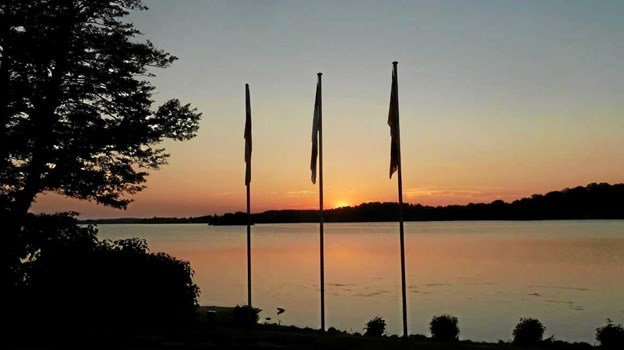 Solnedgang ved søen Dieksee ved byen Malente i Tyskland. Foto: Mogens Ingemannsen