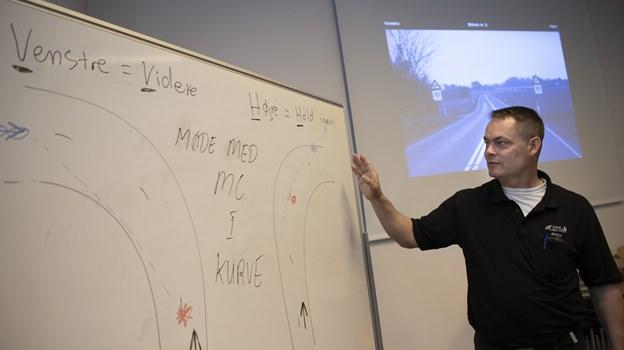 Jimmy Madsen nyder selv at undervise - selvom han har mange andre opgaver også. Foto: Mette Nielsen