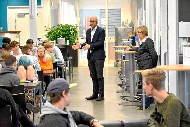 EUC Nord-elever gav Jelved og Prehn kamp til stregen ved politikermøde i Frederikshavn