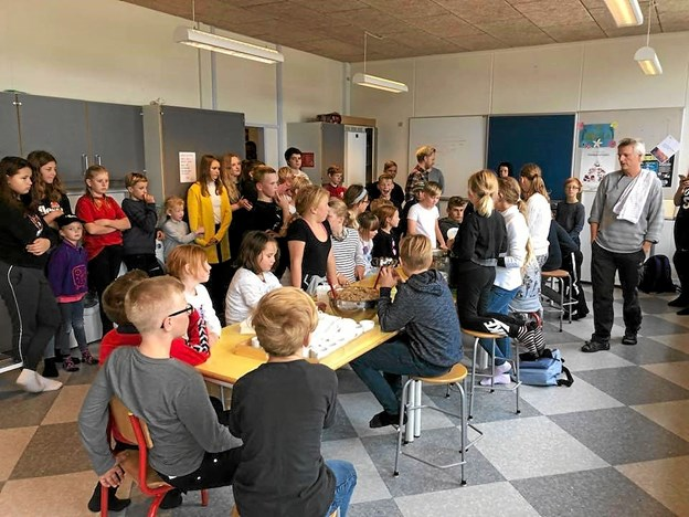 Emneugen samlede alle elever. Det færdige dramastykke skal vises senere til skolefesten for forældre m.v. Foto: Mogens Lynge