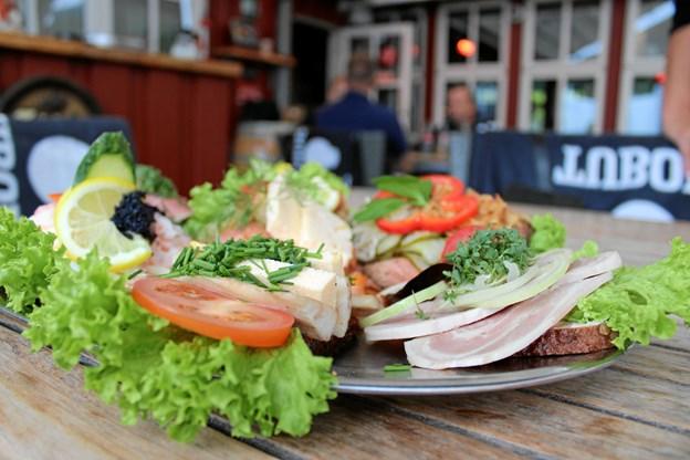 Smørrebrødet er populært som frokostservering. Foto: Pauline Vink