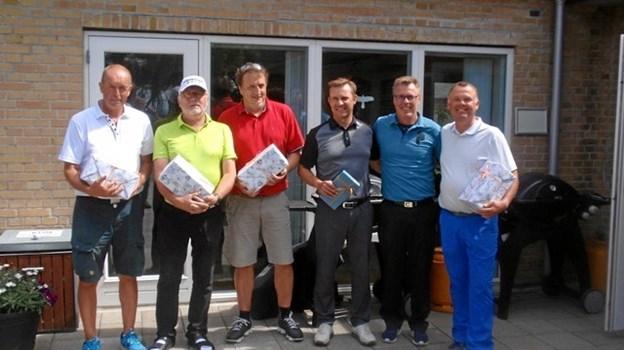 Vinderne af dagens nærmest pinden-præmier på golfbanen i Løgstør.  Privatfoto