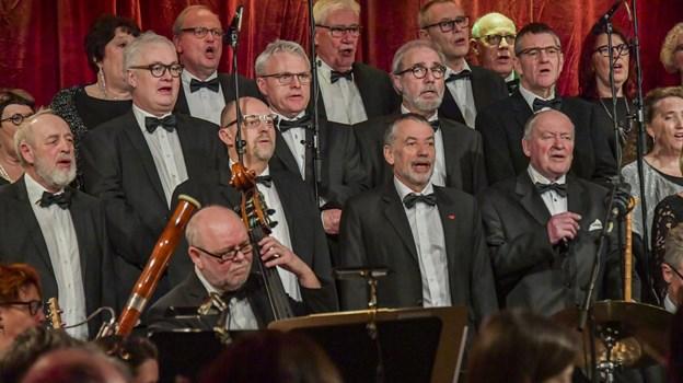 Klitkorets 50 sangere, Det Jydske UnderholdningsOrkester og Nordjyske Strygere leverede varen. Foto: Kim Dahl Hansen