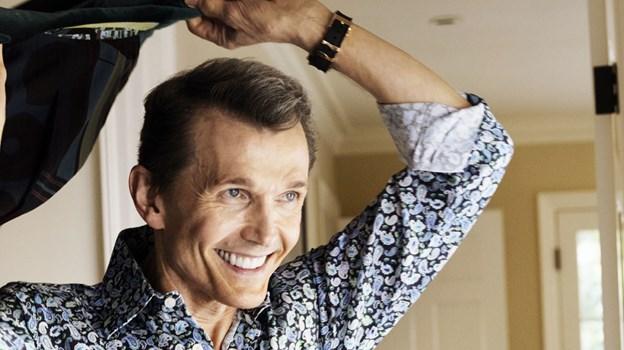 Ole Henriksen kigger forbi Sallings beautyafdeling, hvor han er frisk på en snak, et billede eller en autograf. PR Foto