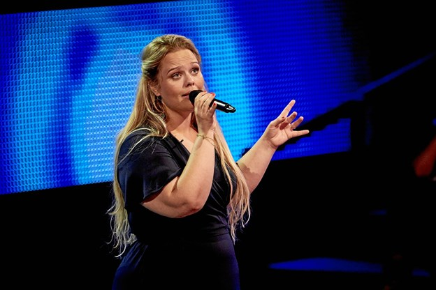Line Amalie fra Hjørring lagde stemme og indlevelse til, da hun stod på scenen i talentshowet. Lørdag i uge 40 gælder det finalen. Foto: Discovery Networks Danmark - Krestine Havemann