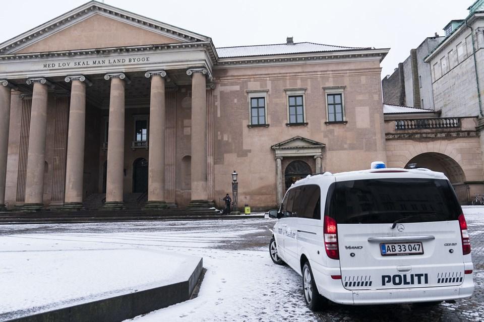 KØBENHAVN: Peter Madsens forklaring om, at han først stak Kim Wall mere end syv timer efter hendes død, er meget usandsynlig.