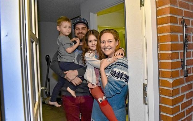En glad vinderfamilie: Line Aagaard Pedersen og Rene Aagaard med børnene Karla og Mikkel Johan. Foto: Ole Iversen