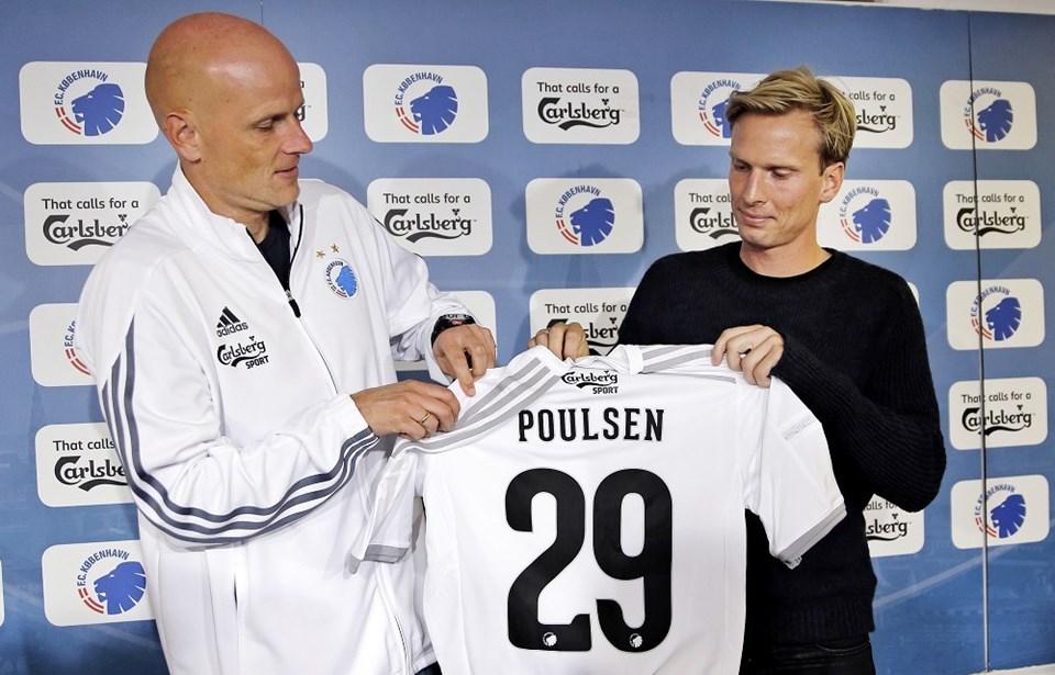 e87d0e39 Christian Poulsen kunne ikke slippe fodbolden og havde også følere fra  Brøndby, inden valget faldt på FCK.