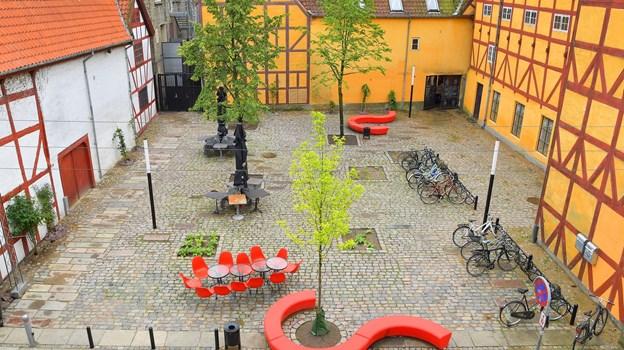 Maren Turis Plads har først officielt fået sit navn i 2002, men den har været kaldt sådan i mange år. Foto: Jesper Thomasen