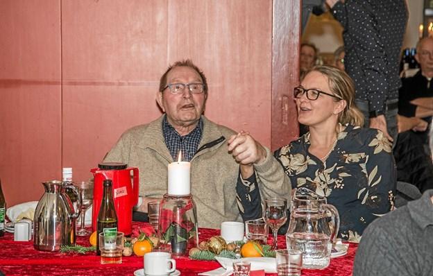 Tydeligt at se glæden, da Gry sang mange af de sange, som de fleste kunne synge med på. Foto: Mogens Lynge Mogens Lynge