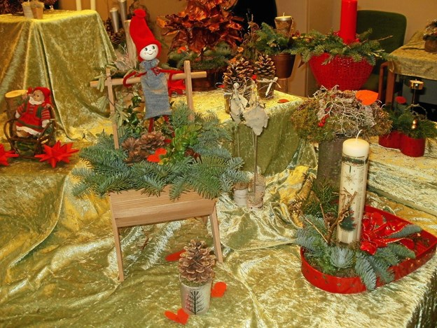 De juledekorationer, der fremstilles til salg på julemarkedet på Beltoften, er kort og godt i særklasse. Foto: Kjeld Mølbæk Kjeld Mølbæk
