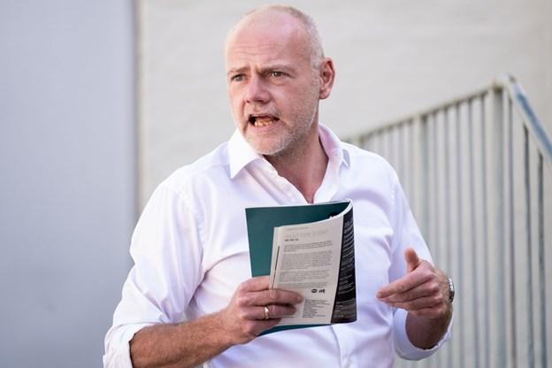 Dramaturg Jens Christian Lauenstein Led fortæller om sæsonens program.