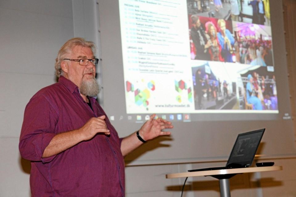 Karsten Højen fortalte om afholdelse af kulturelle events. Foto: Flemming Dahl Jensen Flemming Dahl Jensen