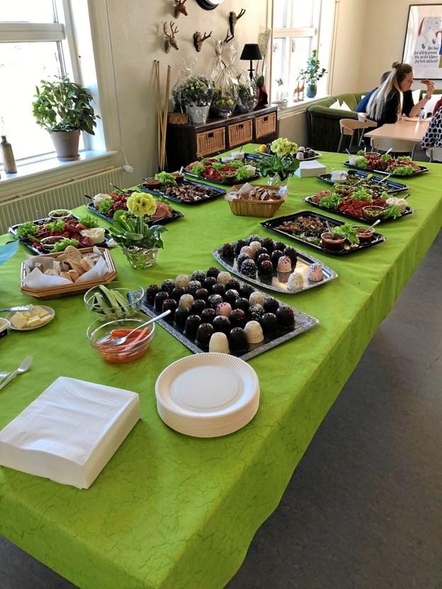 Indvielsen bød på massevis af lækkerier til de inviterede. Privatfoto