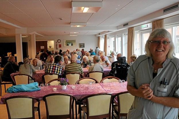 """Dorte Jensen og de øvrige """"fleksere"""" laver mange fine aktiviteter til beboerne. Uden de mange frivillige til at hjælpe os kan det ikke lade sig gøre - de er guld værd for os, siger hun."""