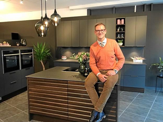 I Eventyrlig Oppussing renoverer Halvor Bakke og hans team 10 faldefærdige fjeldhytter, hvor køkkenerne er fra JKE i Jerslev. PR-foto