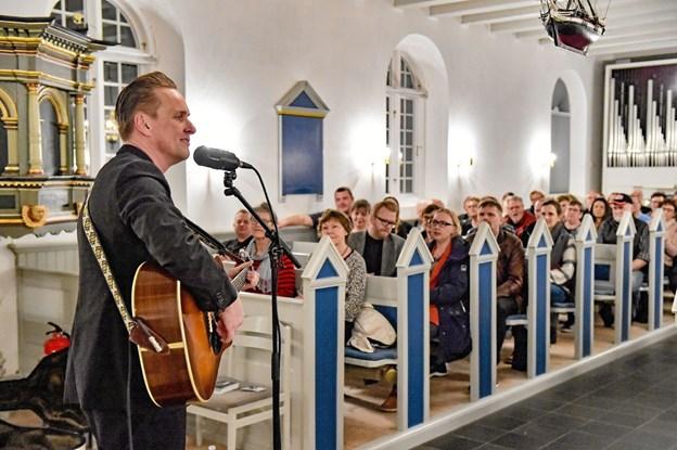 Det var første gang den lokale musikforening og menighedsrådet gik sammen om en koncert i Agger Kirke, da der var Cash i kirken.Foto: Ole Iversen