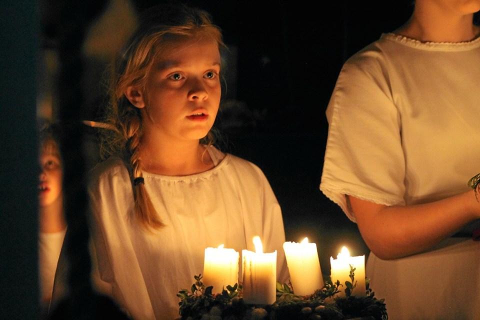 Ingen skolejul uden Luciaoptog i Øsløs.Privatfoto Ole Iversen
