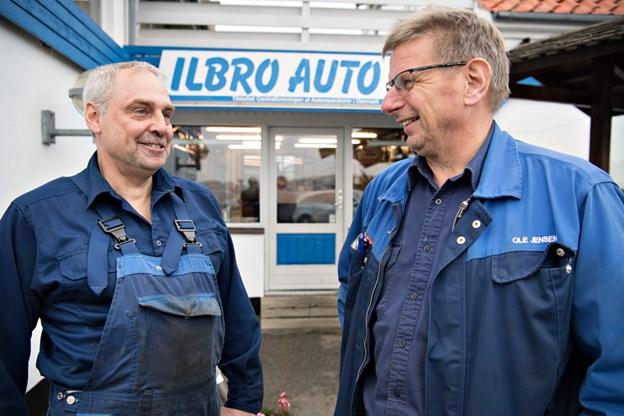 40 år med Ilbro Auto - Henrik Møller Jensen fra Lørslev har alle år været kollega med indehaver Ole Jensen.Foto: Hans Ravn