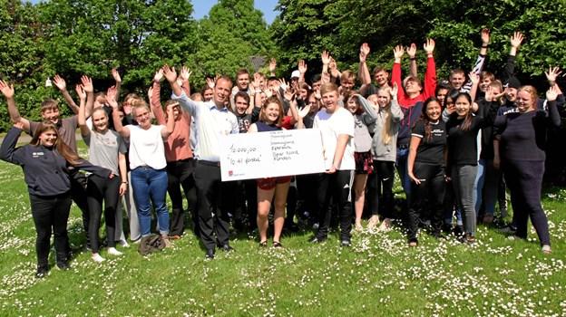 Eleverne modtog de 10.000 kroner fra Spar Nord i sidste uge. Privatfoto