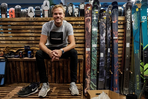 Efter fire sæsoner som skibums var Christoffer Vorre solgt. I dag har han verdens største firma, der uddanner skiinstruktører.