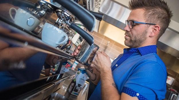Man kan også bare komme og drikke en kop kaffe, fortæller Rasmus Winther Jørgensen.