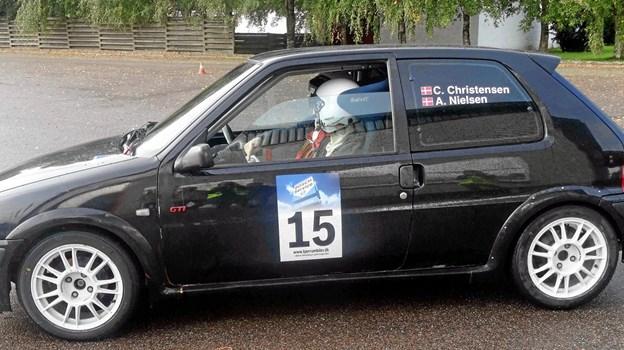 Christian A.L. Falck Christensen og Anders Gade Nielsen ser frem til afprøvning af rally-slicksdæk i deres Peugeot 106 GTI.