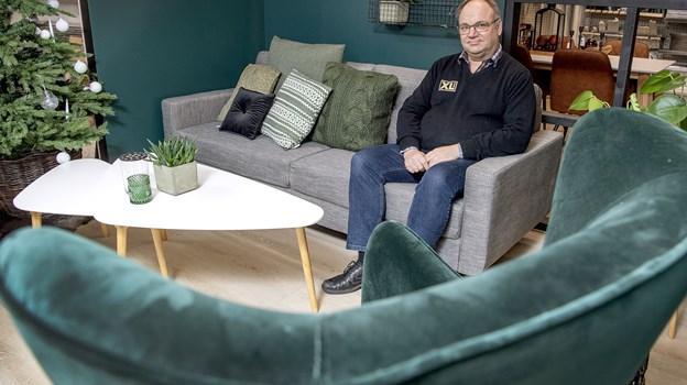 Carsten Andersen bød sammen med Sparekassen Vendsyssel inden for i den nyindrettede Trægården. Foto: Lars Pauli