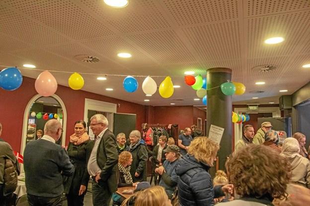 Gamle og nye medlemmer mødtes i foyeren på Hobro Theater. ?Privatfoto