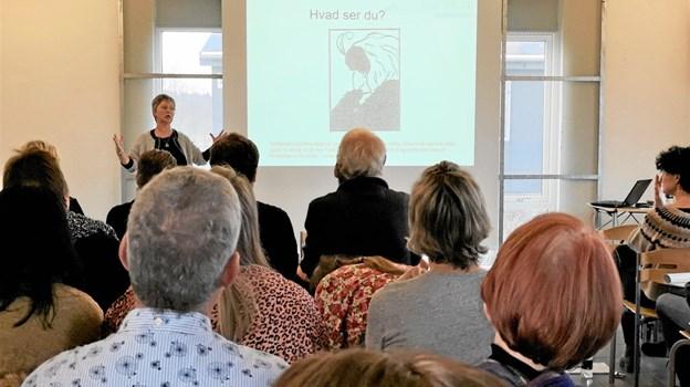 Konfliktmægler Sanne Vahlun holdt foredrag i Metropol og på produktionsskolen i Hjørring. Foto: Hjørring Produktionsskole