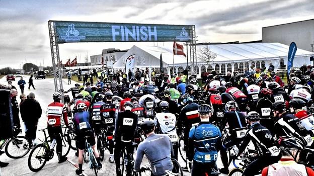 Starten på 2018 udgaven af En Forårsdag i Thy - hvor 717 deltog på cykel, i løbe og gå-sko. Foto: Ole Iversen Ole Iversen